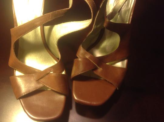 Jessica Simpson Moccao Style Light Color Platform Like New Tan brown Sandals