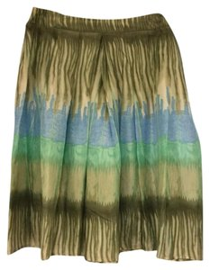 Bandolino Skirt multiple hues of beige, green, and blue