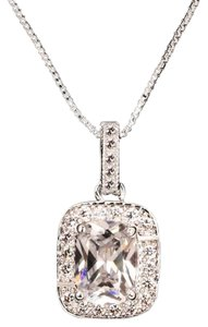 Ladies 1.5ct AAA CZ halo Pendant Necklace