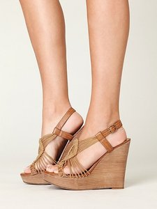 MIA Sandals Macrame Wedge Wood Brown Wedges
