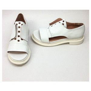 Robert Clergerie White Flats
