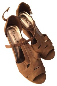 Bucco Brown Wedges
