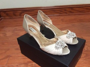 Badgley Mischka Badgley Mischka Nude D'orsay Peep Toe Pumps Wedding Shoes