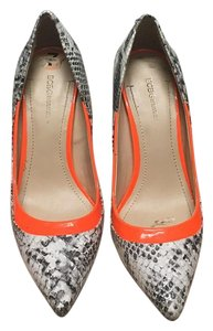 BCBGMAXAZRIA Snake skin and orange Pumps