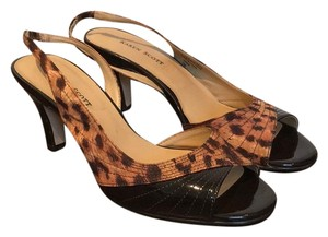 Karen Scott leopard and brown Pumps