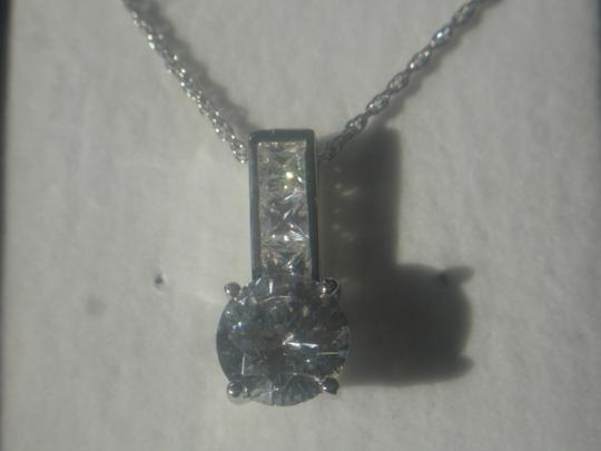 """Unknown BEAUTIFUL STERLING SILVER CLEAR CZ PENDANT 18"""" FINE TWISTED CHAIN NECKLACE NWT"""