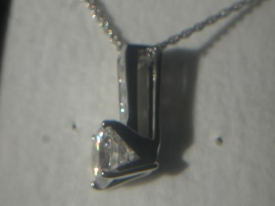 Unknown BEAUTIFUL STERLING SILVER CLEAR CZ PENDANT 18