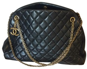 Chanel Tote in Black With Gold Chain