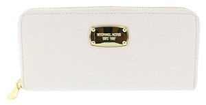 Michael Kors Continental Wallet Vanilla Clutch