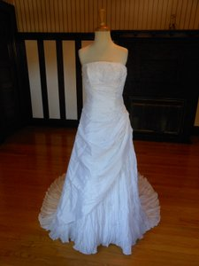 Pronovias White Sample Destination Wedding Dress Size 10 (M)