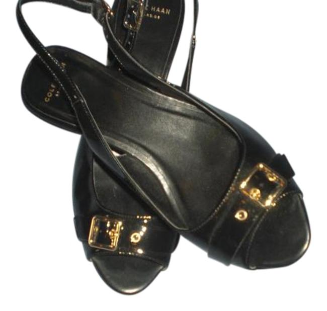 Item - Black Patent Leather Heels with Gold Buckle B Sandals Size US 7 Regular (M, B)