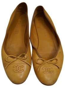 Chanel Leather Bow Beige Flats