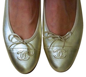 Chanel Ballet Patent Leather Beige Gold Flats