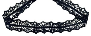 Elliot Francis Thick lace scalloped choker