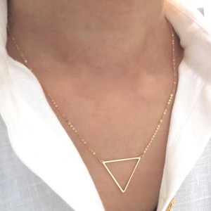 Elliot Francis 14k Gold Triangle Necklace