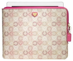 Coach Coach Waverly Hearts IPAD Tablet Case 63813