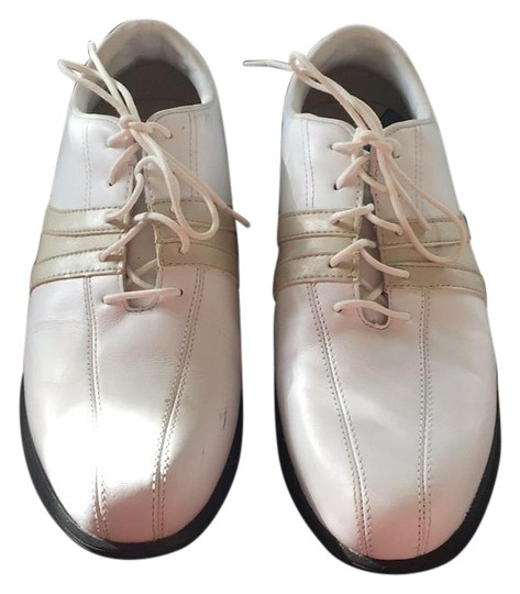 Preload https://item4.tradesy.com/images/white-golf-sneakers-size-us-8-wide-c-d-19643853-0-1.jpg?width=440&height=440