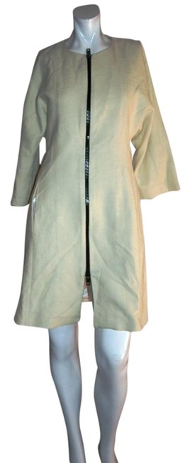 Preload https://item2.tradesy.com/images/zara-white-beige-neutral-woman-basic-coat-dress-spring-jacket-size-8-m-19643991-0-1.jpg?width=400&height=650