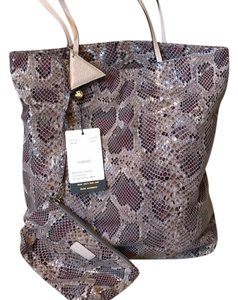 Sorial Tote in Taupe