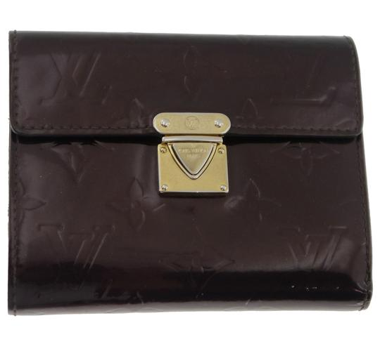 Preload https://item5.tradesy.com/images/louis-vuitton-koala-vernis-portefeuille-trifold-patent-leather-m93520-wallet-19644544-0-0.jpg?width=440&height=440