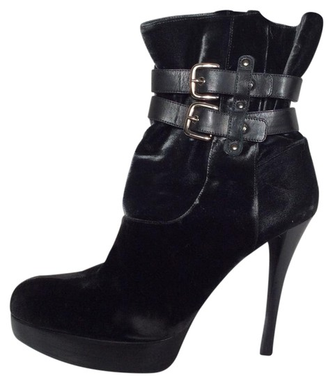 Preload https://img-static.tradesy.com/item/19644859/stuart-weitzman-black-velvet-platform-bootsbooties-size-us-9-regular-m-b-0-1-540-540.jpg