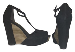 Kenneth Cole Suede Black and beige Wedges