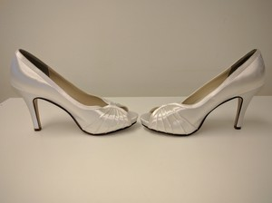 Touch Ups Satin White Size 8 Wedding Heels Touch Ups Wedding Shoes Bridal Shoes Wedding Shoes