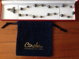Carolee Carolee Outrageous Faux Jewels necklace w/silver clasp, dust bag