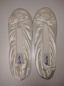 Touch Ups Molly Size 10 Ivory Bridal Slipper Ivory Slippers Leather Slippers Wedding Shoes