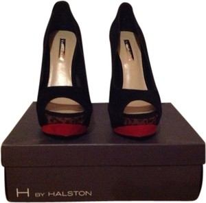 Halston Pumps