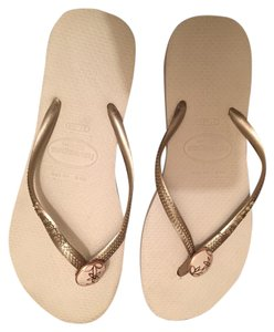 Havaianas Ivory and gold Sandals