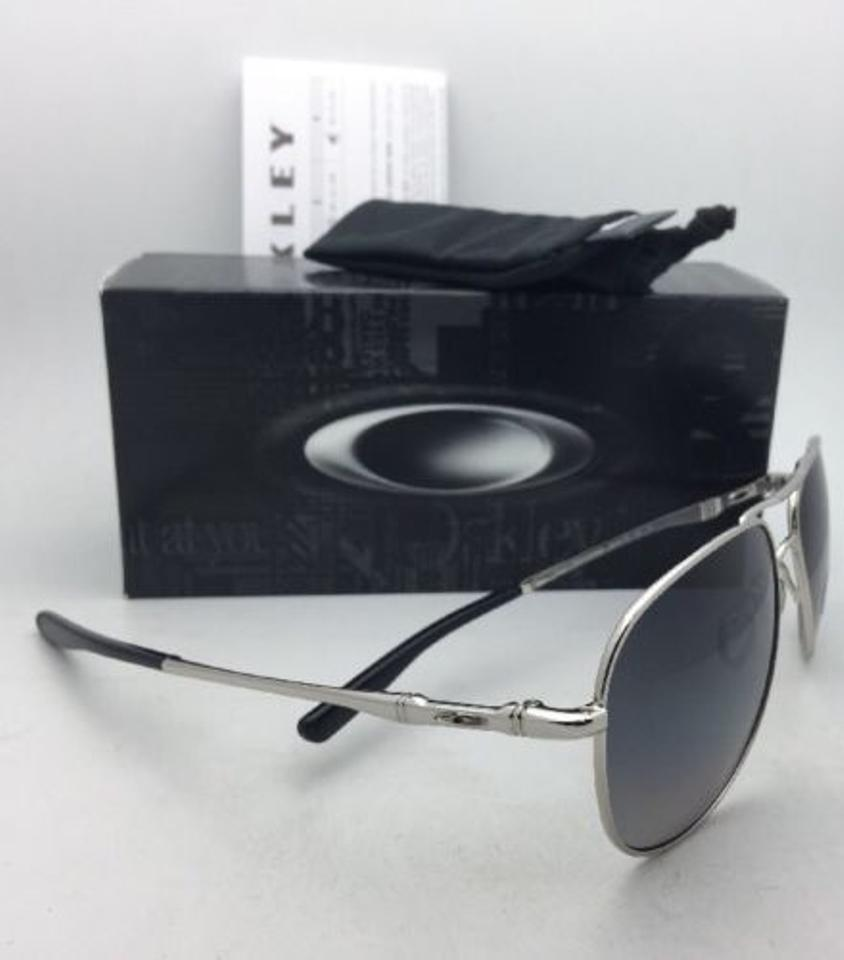 acc749eeb5a Oakley Polarized OAKLEY Sunglasses ELMONT M OO4119-0258 Chrome Aviator w  Grey Image 8. 123456789