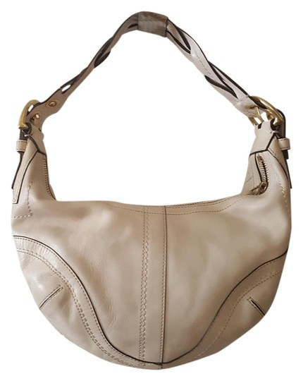 Preload https://item3.tradesy.com/images/coach-10042-beigecream-braided-handle-creme-leather-hobo-bag-19647102-0-1.jpg?width=440&height=440