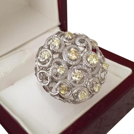 Preload https://img-static.tradesy.com/item/19647322/light-yellow-diamondswhite-gold-ring-0-3-540-540.jpg