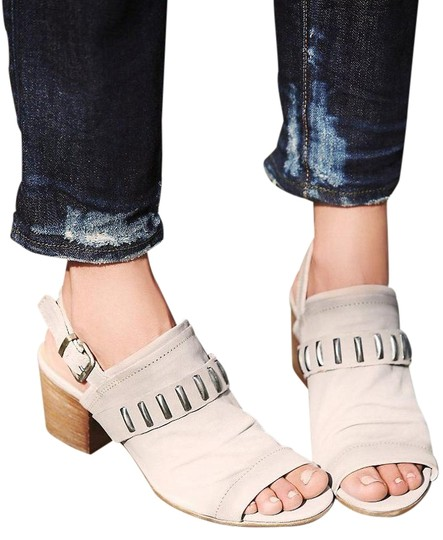 Preload https://item2.tradesy.com/images/manas-greytaupe-free-people-signal-sandals-size-us-10-19647351-0-1.jpg?width=440&height=440