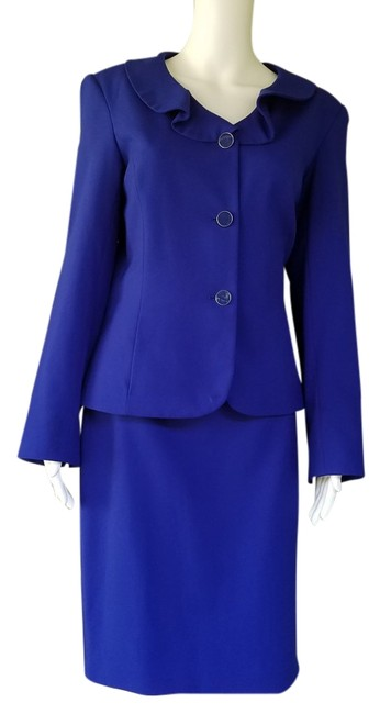 Preload https://item4.tradesy.com/images/john-meyer-of-norwich-blue-royal-career-skirt-suit-size-8-m-19647823-0-1.jpg?width=400&height=650