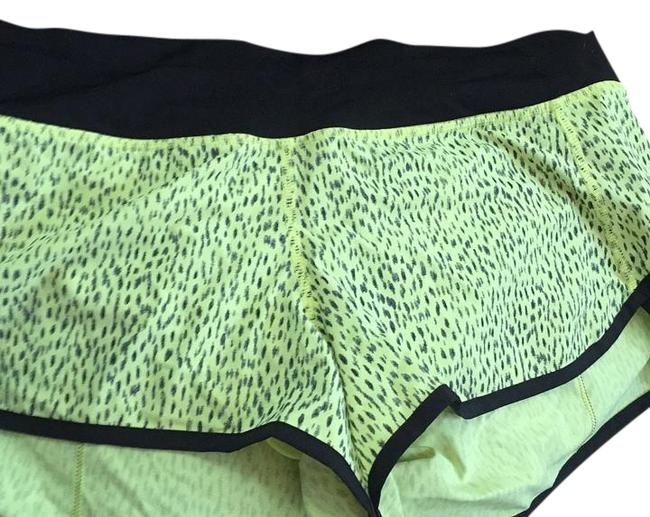 Item - Yellow Spotted W/ Black 4 Way Stretch Activewear Bottoms Size 6 (S, 28)