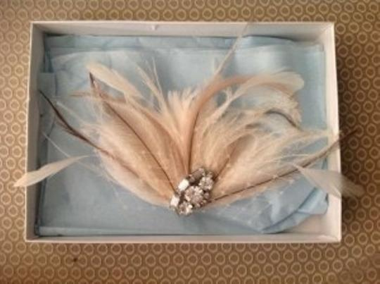 Ivory Vintage Feather Clip with Brooch Hair Accessory