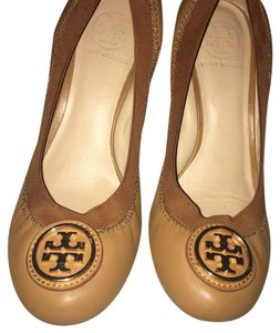 Tory Burch Tan / Luggage Wedges