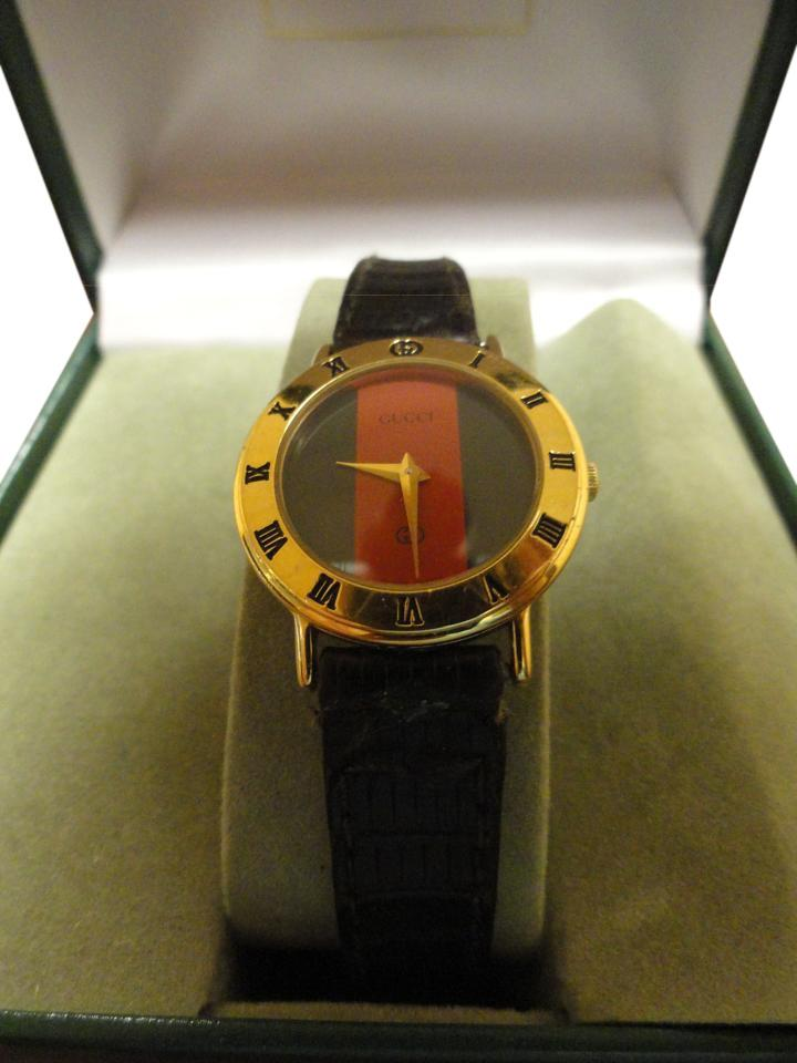 1a6b1c2040a2 Gucci SALE Women s Gucci Watch New Sapphire Crystal Gucci Box Accurate Time  Image 0 ...