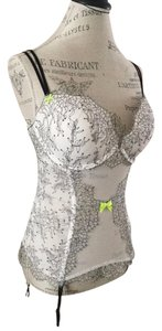 VICTORIA'S SECRET CHANTILLY LACE BUSTIER TEDDY WHITE W, BLACK LACE VICTORIAS SECRET CORSET BUSTIER
