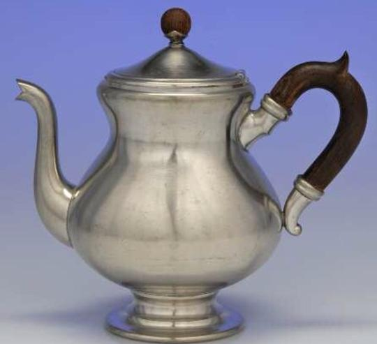 Preload https://img-static.tradesy.com/item/19651554/pewter-antique-tea-set-0-0-540-540.jpg