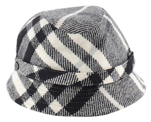 Burberry Burberry Nova Check Cashmere Bucket Hat