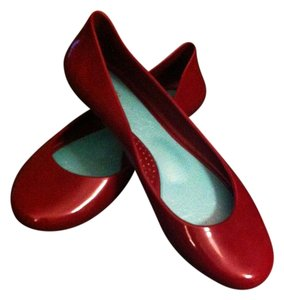 OKA b. Comfortable Round Toe Under Toe Bump Arch Support Cute Burgundy Flats