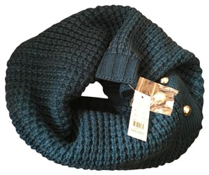 New York & Company NY & CO Teal infinity scarf