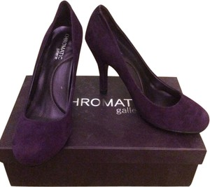 Chromatic Gallerie Round Toe Purple Suede Eggplant Pumps