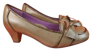 Taryn Rose bronze Pumps