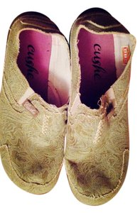 cushe Comfortable Deck tan Flats