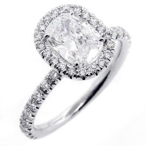 White 1.92 Cts Round Cut Diamond Halo Set In 18k Gold Engagement Ring