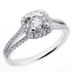 1.01 Cts Round Cut Diamond Halo Engagement Ring Set In 18k White Gold